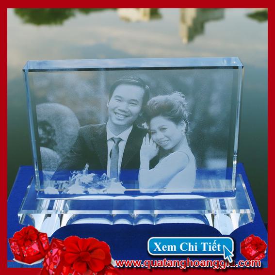 Khắc hình cưới 2D trên pha lê