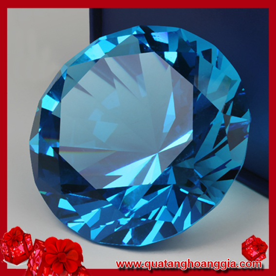Kim cương pha lê màu xanh ngọc