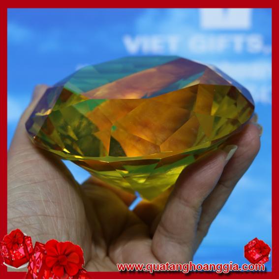 Kim cương pha lê màu vàng