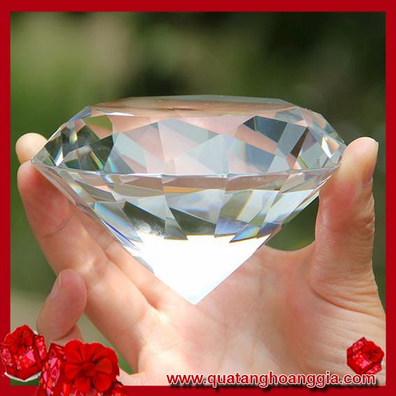 kim cương pha lê trong suốt