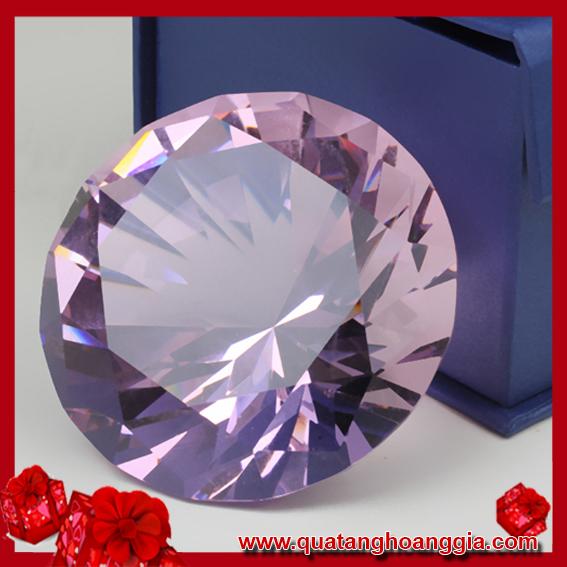 Kim cương pha lê màu hồng