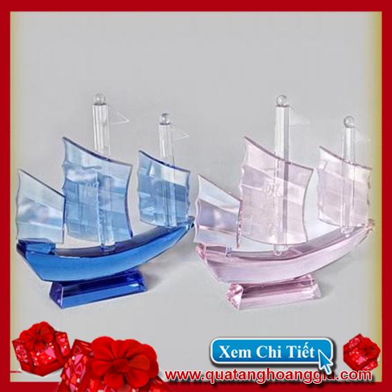 Thuyền buồm pha lê - Kỷ niệm chương pha lê 6